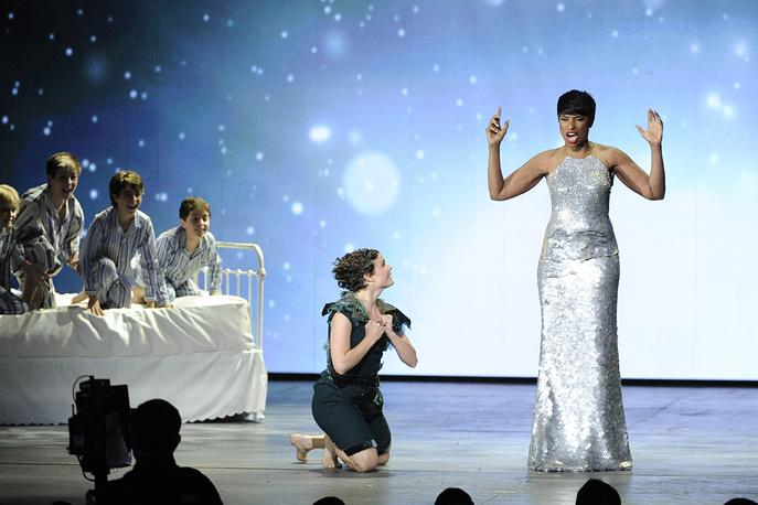 Актриса и певица Дженнифер Хадсон на церемонии награждения премии Tony Award