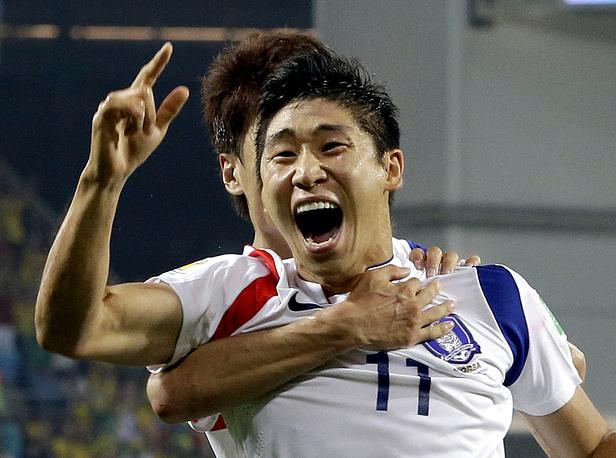 Автор первого гола Ли Кын Хо
