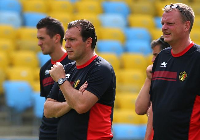 Марк Вильмотс (в центре) на тренировке сборной Бельгии