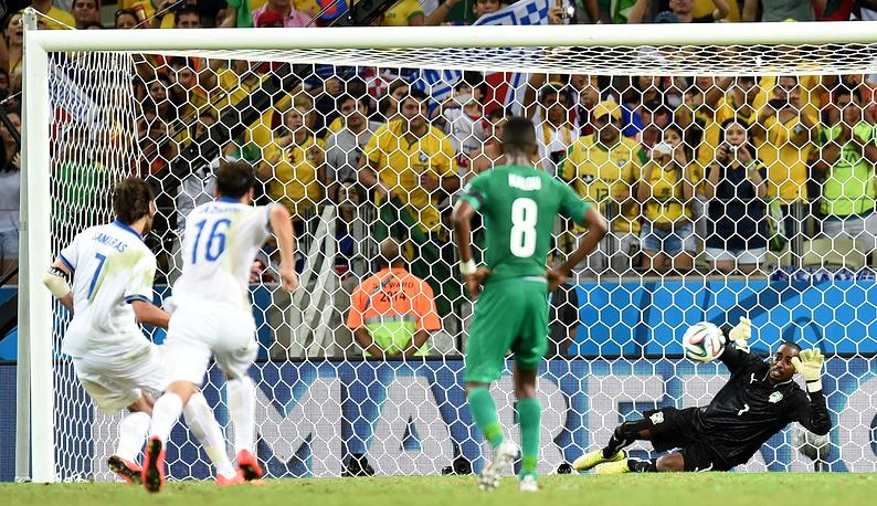 Георгиос Самарас реализует пенальти и выводит сборную Греции в 1/8 финала ЧМ