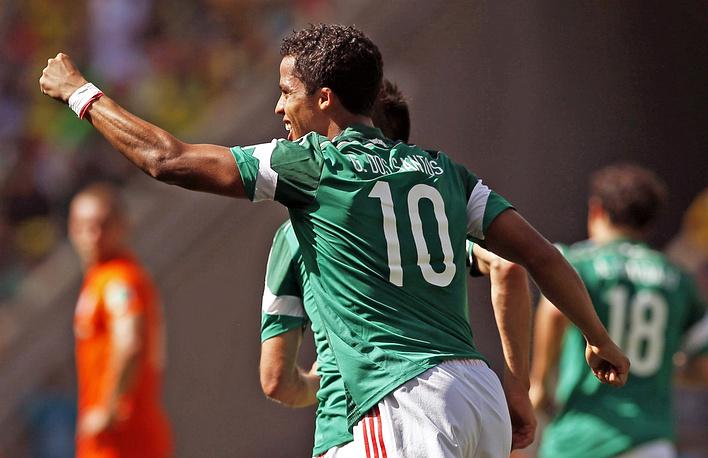 Джовани дос Сантос вывел сборную Мексики вперед