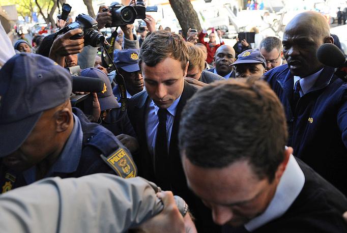 19 августа 2013 года суд официально обвинил Писториуса в предумышленном убийстве. Рассмотрение дела по существу началось в марте 2014 года