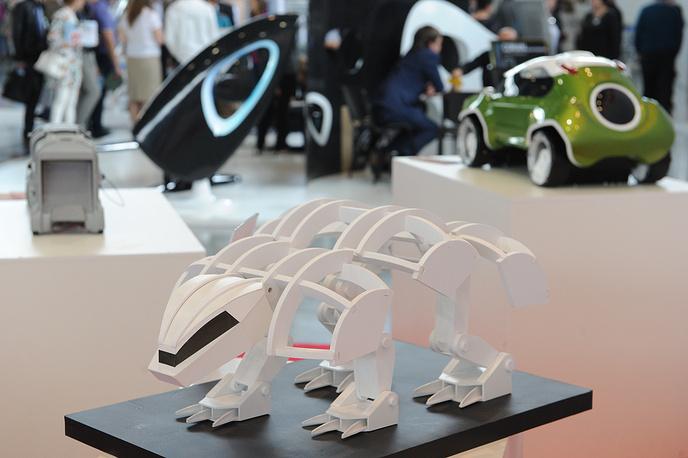 Биоробот Bronny Scout на стенде Форума промышленного дизайна