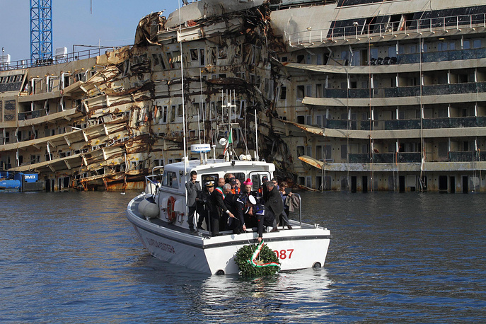 В сентябре 2013 года Costa Concordia вернули в вертикальное положение