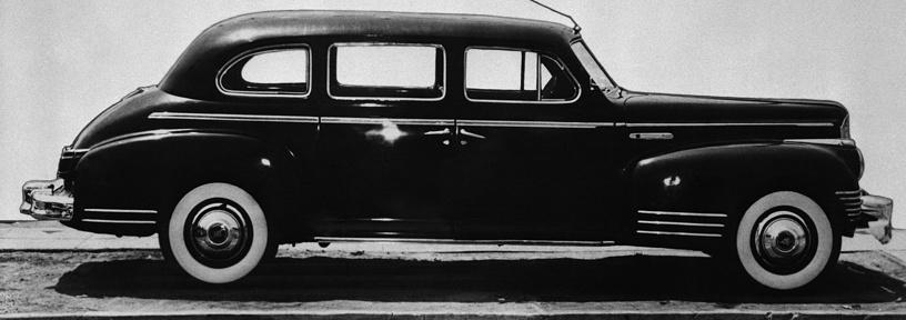 Генеральный секретарь ЦК ВКП(б) Иосиф Сталин предпочитал американский Packard Twelve. С 1949 года Сталин ездил на бронированном ЗИС-115 (ЗИС-110С)
