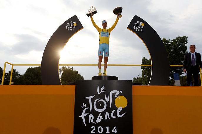29-летний Нибали стал шестым гонщиком в истории, который выиграл все три Гранд-тура