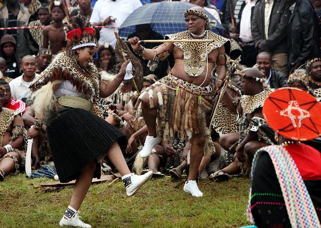 Президент ЮАР Джейкоб Зума и его жена во время свадебной церемонии в традиционном костюме племени зулу, 2010 год