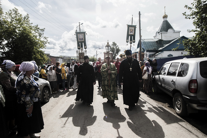 Около тысячи человек приняли участие в крестном ходе