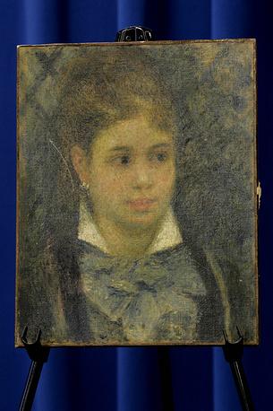 """Вместе с картиной Рембрандта были украдены две работы Пьера Огюста Ренуара """"Юная парижанка"""" и """"Разговор в саду"""" общей стоимостью $36 млн. Картина """"Разговор в саду"""" была найдена в квартире в Стокгольме. Судьба полотна """"Юная парижанка"""" (на фото) пока остается неизвестной"""