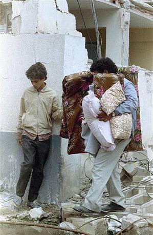 В результате бомбардировок ливийской столицы погибли около 40 человек