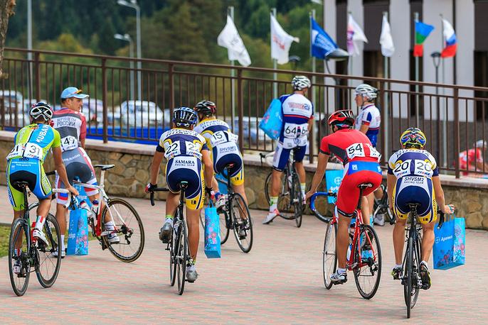 Всем участникам велогонки были вручены памятные подарки от ОАО «Курорты Северного Кавказа».