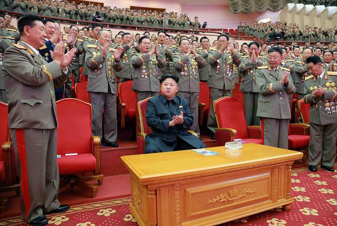 Во время мероприятий по случаю 61-й годовщины подписания соглашения о перемирии в Корейской войне в Пхеньяне, 2014 год