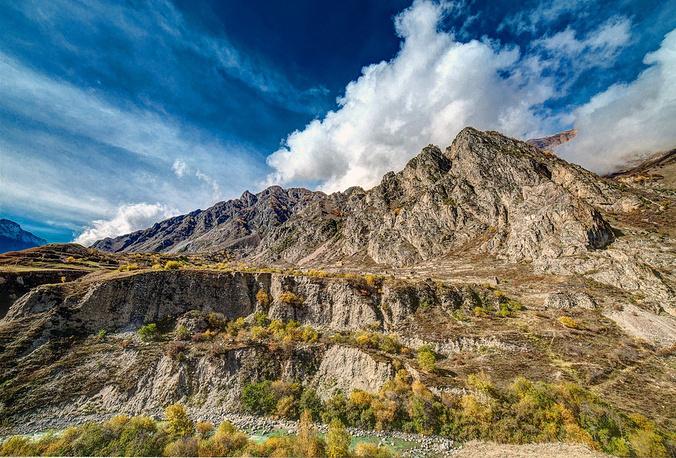 Средняя высота здесь превышает 1100 метров над уровнем моря