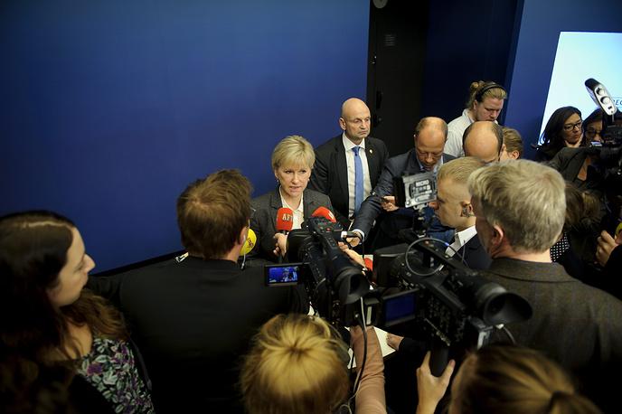30 октября правительство Швеции признало Государство Палестина. Решение было принято на заседании кабинета министров, заявила на специально созванной пресс-конференции глава МИД королевства Маргот Вальстрем (на фото). В ответ Израиль отозвал посла из Стокгольма