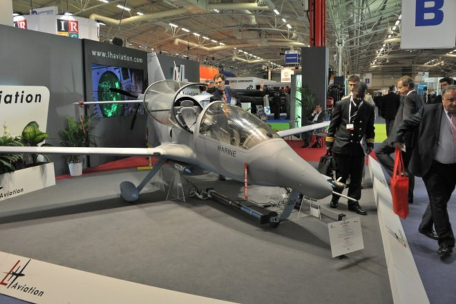 Стенд французской компании LH Aviation