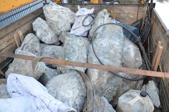 Руда, обнаруженная на месте нелегальной добычи
