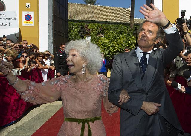 Герцогиня де Альба с супругом, 2011