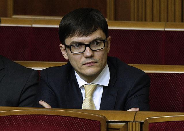 Министр инфраструктуры Украины Андрей Пивоварский на заседании Верховной рады