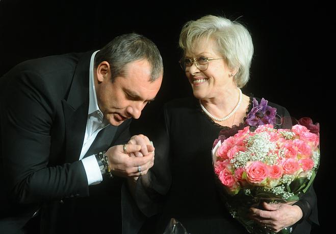 Николай Фоменко и  Алиса Фрейндлих на праздничном вечере в ЦДА, 2009 год