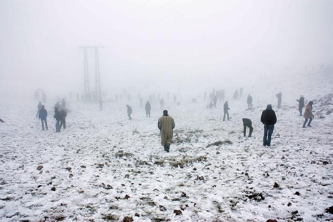 Бывает, что снег в горах Марокко идет сутками, тогда высота сугробов превышает полметра