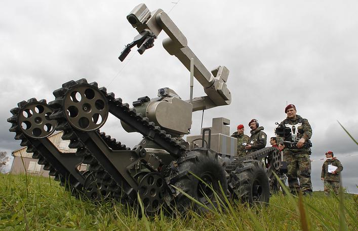 Немецкий робот-сапер teleMAX. Хаммельбург (ФРГ), 2010 год