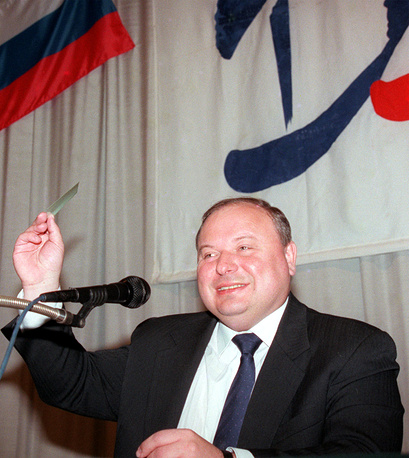 Выпускник экономического факультета экс-министр экономики и финансов Егор Гайдар