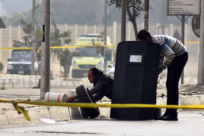 По данным МВД Египта, было обезврежено более десяти взрывных устройств