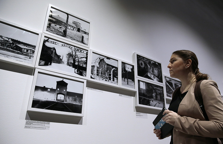 """Выставка """"Человек и катастрофа"""", посвященная Международному дню памяти жертв холокоста, в Еврейском музее и центре толерантности"""