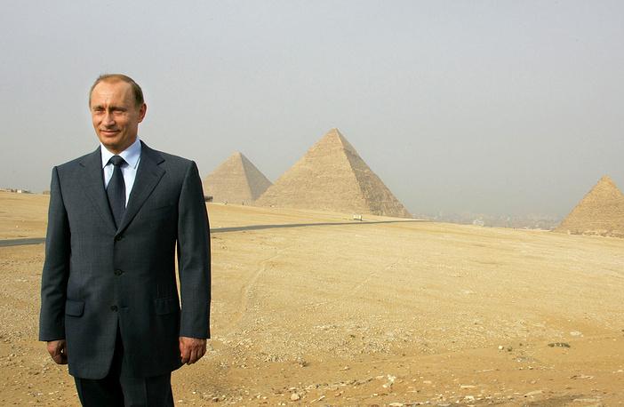 Президент России Владимир Путин в ходе визита в Египет, 2005 год
