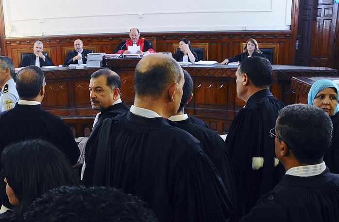 Суд проходил заочно, так как Бен Али еще в январе 2011 г. бежал в Саудовскую Аравию