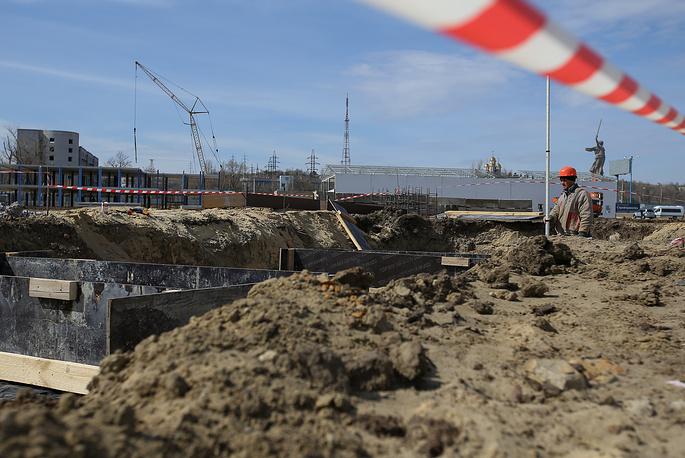За время работ на стройке были найдены 11 больших снарядов, около 20 небольших и ящик динамита