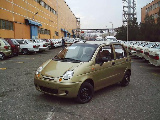 Daewoo Matiz - 0,8 л, 51 л.с. Стоимость полиса в Москве при росте базового тарифа на 41% составит  5491,2 рубля (рост на 1587,2 рубля)