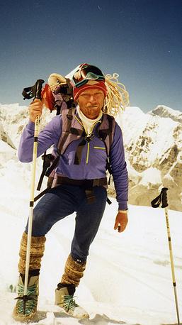 Первый отечественный альпинист, взошедший на высочайшую вершину мира гору Эверест Владимир Балыбердин