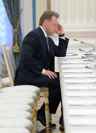 Первый вице-премьер Игорь Шувалов задекларировал доход в размере 9,2 млн рублей (в 2013 году 240 млн рублей)
