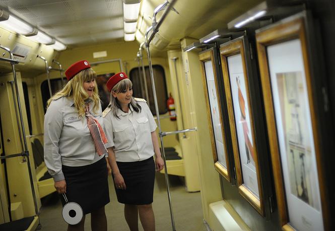 """Поезд """"Акварель"""" с репродукциями картин из Третьяковской галереи, 2012 год"""