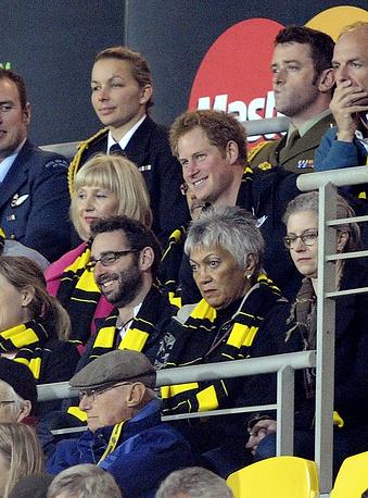 """Принц Гарри во время посещения матча по рэгби между новозеландским регбийным клубом """"Харрикейнс"""" и южноафриканским """"Шаркс"""""""
