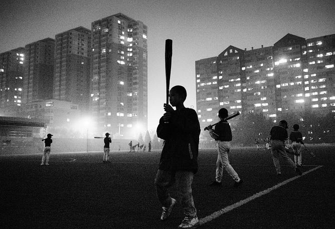 Юные игроки в бейсбол. Серия фотографий