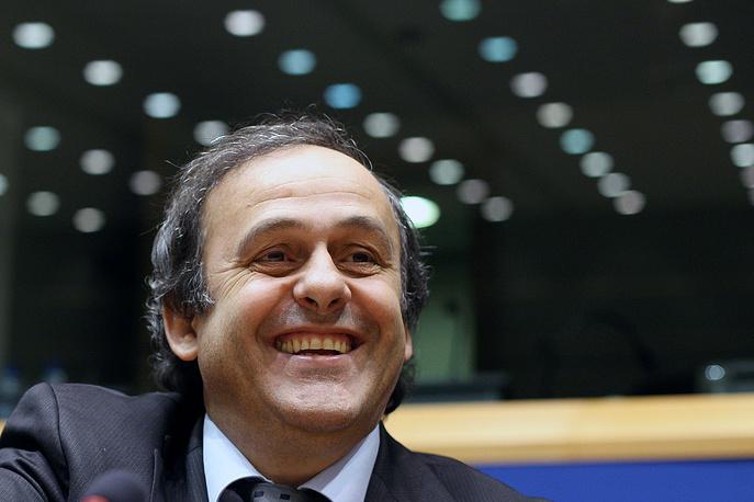 Также Мишель Платини принял решение о проведении Евро-2020 на 13 стадионах в 13 городах 13 разных государствах (приурочено к 60-летию проведения чемпионатов Европы)