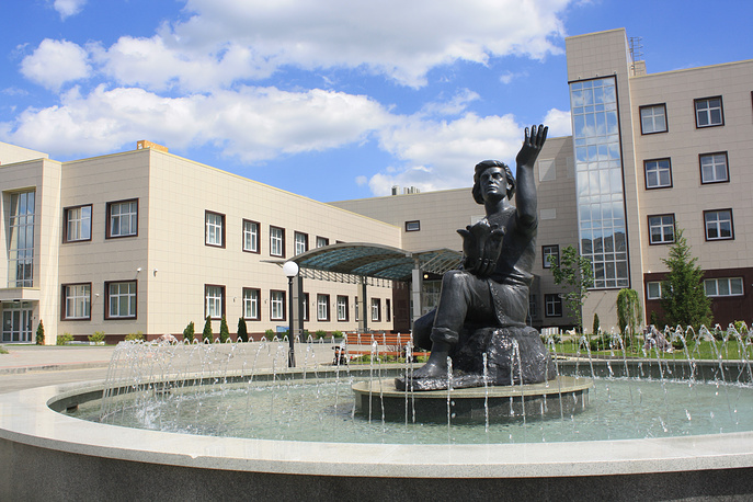 Уральский клинический центр - медицинский комплекс, соответствующий всем европейским стандартам и позволяющий пройти полную лечебную цепочку от диагностики, консервативного лечения и оперативного вмешательства до реабилитации и профилактики