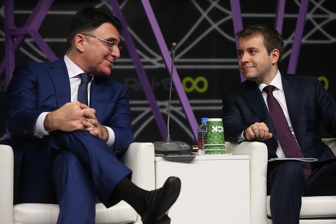 Руководитель Роскомнадзора Александр Жаров и министр связи и массовых коммуникаций РФ Николай Никифоров (слева направо)
