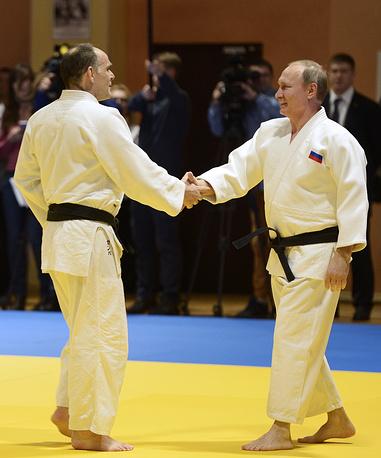 Главный тренер сборной России по дзюдо Эцио Гамба и президент России Владимир Путин