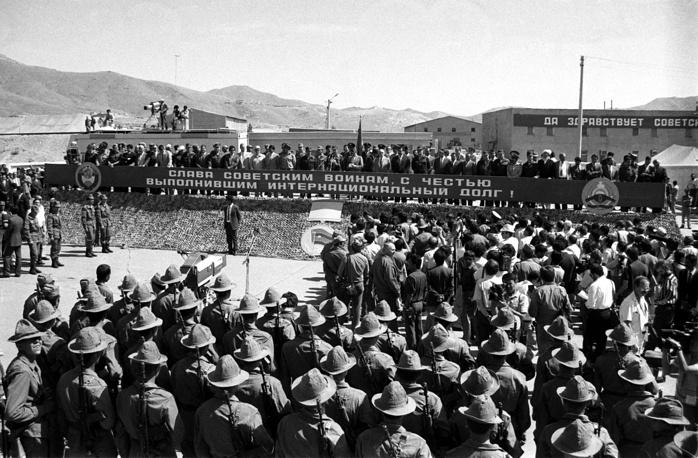 Первый этап вывода ограниченного контингента советских войск. Афганистан, 1988 год