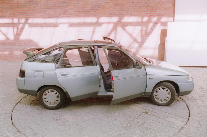 Хетчбэк ВАЗ-2112 может развивать скорость до 185 километров в час. На фото: ВАЗ-2112