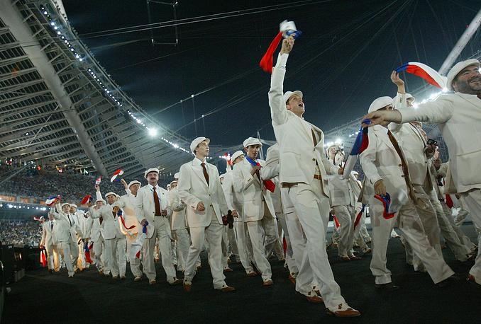 Игры-2004. В Афинах сборная России опустилась на третью позицию в медальном зачете. Отечественные спортсмены завоевали 90 наград (28, 26, 36)