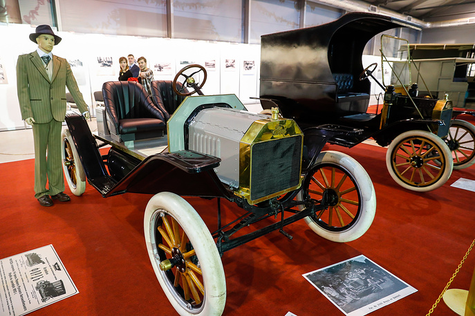 Автомобили Ford Model T Speedster (США, 1914) и Ford Model T Delivery (США, 1912)
