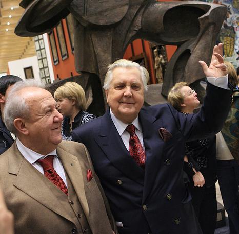 Президент Российской академии художеств Зураб Церетели и художник Илья Глазунов на открытии выставки Церетели в Манеже, 2006 год
