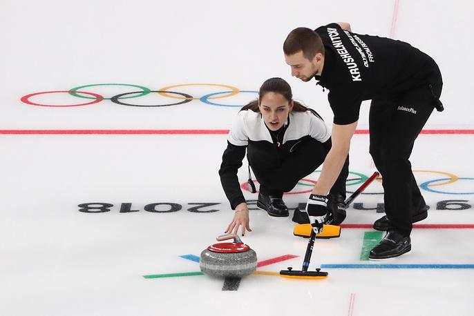 Анастасия Брызгалова и Александр Крушельницкий во время матча за 3-е место