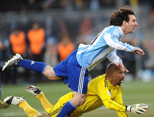 Л.Месси в матче против сборной Мексики
