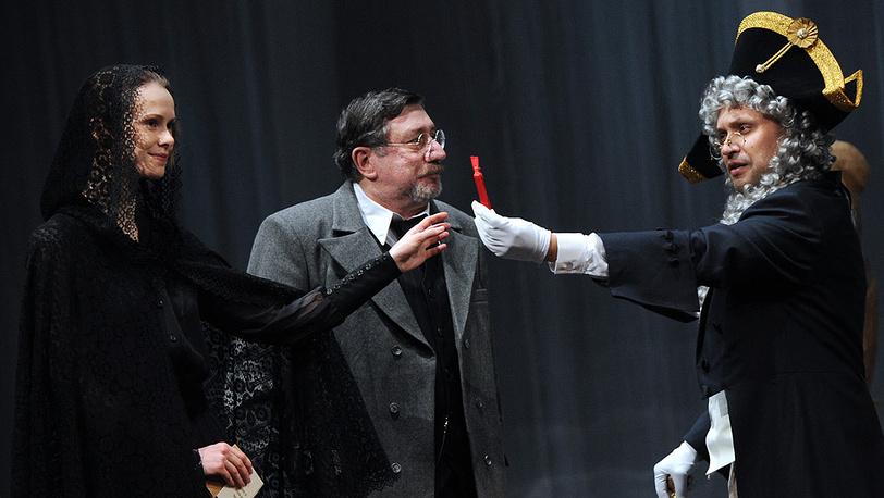 Анастасия Кормилицына (Надежда), Сергей Тонгур (Калинин) и Владимир Скворцов (Граф)