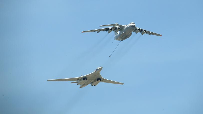 Дозаправка в воздухе: Ил-76 и Ту-160